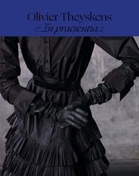 """Lydia Kamitsis - Olivier Theyskens - """"In praesentia""""."""