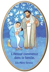 Maïte Roche - Cadre ovale en bois Maïté Roche - La Sainte famille - L'amour commence dans la famille.