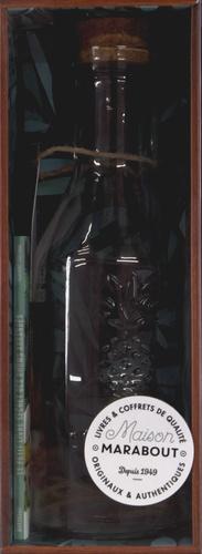 Marabout - Coffret La rhumerie pirate - Les recettes secrètes de rhum arrangé. Contient : 1 bouteille, 1 étiquette et sa corde, 1 livre.