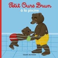 Marie Aubinais - Petit Ours Brun à la piscine.