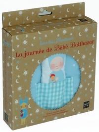 Marie-Hélène Place et Caroline Fontaine-Riquier - La journée de bébé Balthazar - Livre-tissu Montessori.