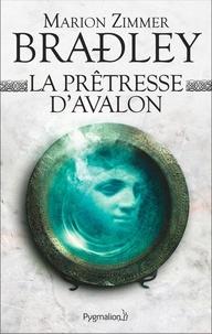 Marion Zimmer Bradley - La prêtresse d'Avalon.