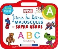 Marvel - J'écris les lettres majuscules avec mes super-héros - Maternelle PS-MS-GS. Avec un feutre effaçable et sa petite éponge.