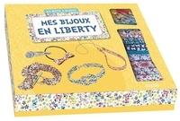Mathilde Paris et  Shiilia - Mes bijoux en liberty - Avec 1 pompon, 1 grelot, 1 barette, 1 anneau, 1 chaîne-bille.