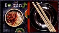 Maya Barakat-Nuq - Coffret Bo bun - 1 livre de 30 recettes, 2 bols pour les présenter, 2 paires de baguettes en bambou.
