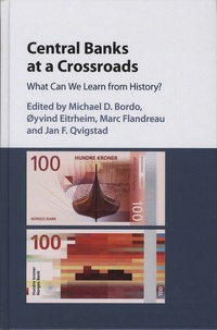 Central Banks at a Crossroads - What Can We Learn from History?.pdf
