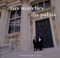 Muriel Dovic - Aux marches du palais.