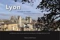 Nathalie Roche - Lyon... de pages en images... - Une flânerie au coeur du Lyon patrimonial racontée par un florilège d'écrits sur la ville.