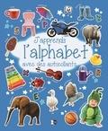 P'tit Loup - J'apprends l'alphabet avec des autocollants.