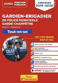 Pascal Delval et Bernadette Lavaud - Gardien-brigadier de police municipale, garde-champêtre - Tout-en-un.
