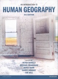 Peter Daniels et James D. Sidaway - An Introduction to Human Geography.