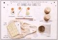 Pioro Editions - Kit crumble aux courgettes - Contient : 6 autocollants, 6 liens sachets, 6 pics décoratifs, 6 napparons, 1 notice, 6 moules, 6 sachets, 1 filet à provision, 1 carte recette.