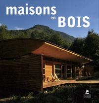 Place des Victoires - Maisons en bois.