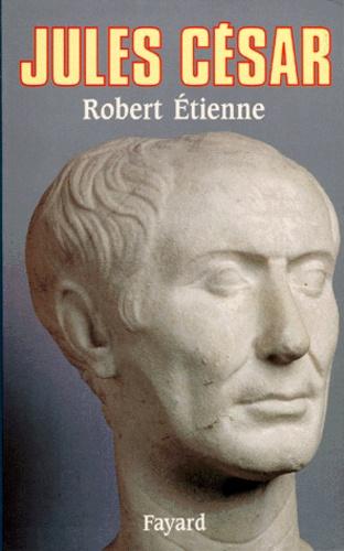 Robert Etienne - Jules César.