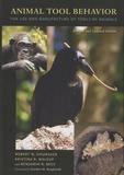 Robert W. Shumaker et Krisitina R. Walkup - Animal Tool Behavior - The Use and Manufacture of Tools by Animals.