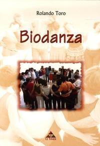 Rolando Toro - Biodanza - Intégration existentielle et développement humain par la musique, le mouvement, l'expression des émotions et des potentiels génétiques.