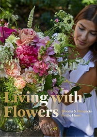 Living With Flowers - Blooms & Bouquets For the Home.pdf