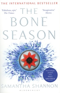 Samantha Shannon - The Bone Season Tome 1 : Now includes prequel, The Pale Dreamer.