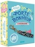 Sandrine Monnier - Mon grigri porte bonheur à accrocher - Avec un livret pas-à-pas, du fil doré, 1 porte-clef, du ruban et 1 pampille.