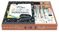 Sandrine Monnier - Mon journal personnel - Réalise ton propre bullet carnet ! Avec 3 tampons, 1 encrier, des notes repositionnables, 3 stylos, des autocollants, du fil de coton pour personnaliser ta couverture.