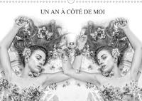 Alain Baron - UN AN À CÔTÉ DE MOI (Calendrier mural 2020 DIN A3 horizontal) - Le même modèle photographié en double poses presque identiques. (Calendrier mensuel, 14 Pages ).