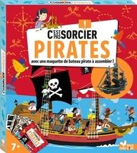 Sophie Koechlin et Mathilde Paris - Pirates - Avec une maquette de bateau pirate à assembler !.