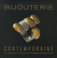 Bijouterie contemporaine du Museum of Arts and Design de New York.pdf