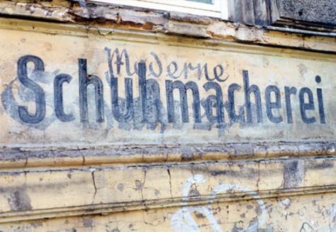 Karbid. Berlin, de la lettre peinte au caractère typographique