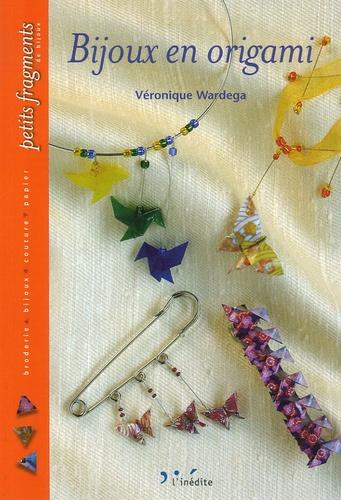Véronique Wardega - Bijoux en origami.