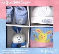 Virginie Chiodo - Coffret bébé Lapin Bleu - Avec un bonnet, des chaussons, un hochet et un livre en tissu.
