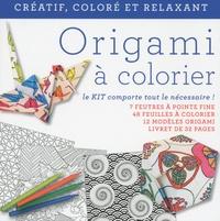 White Star - Origami à colorier - 1 livret, 12 modèles, 48 feuilles à colorier, 7 feutres.