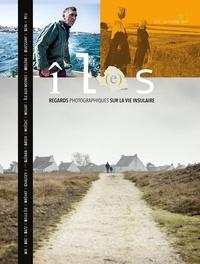 Xavier Dubois et Jean-baptiste Millot - Revue îL(e)s, tome 1 - Regards photographiques sur la vie insulaire 2017.