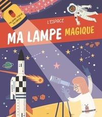 Yoyo éditions - L'espace - Ma lampe-torche en carton.