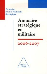 Yves Boyer et François Heisbourg - Annuaire stratégique et militaire.